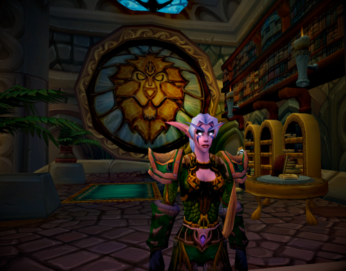 Cynli_-_dalaran_-_silver_covenant_library_-_closeup